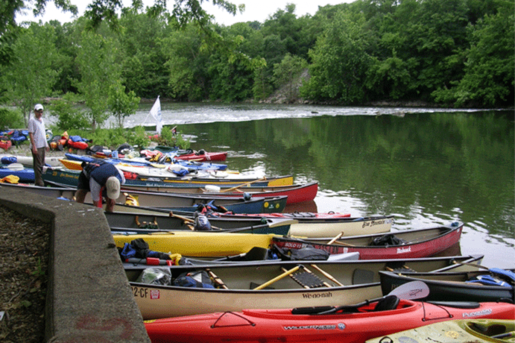 6 Adventurous Spots To Try Paddle Sports This Summer In Philly